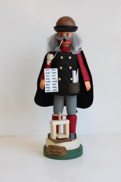 Räuchermännchen Johannes Gutenberg von Karl Werner aus Sayda/ ErzgebirgeDas RäuchermännchenJohannes Gutenberg stammt aus der Herstellungsserie …