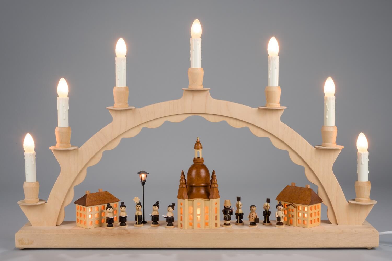 Innenbeleuchteter Schwibbogen mit Dresdener Frauenkirche und Kurrende von Nestler-Seiffen