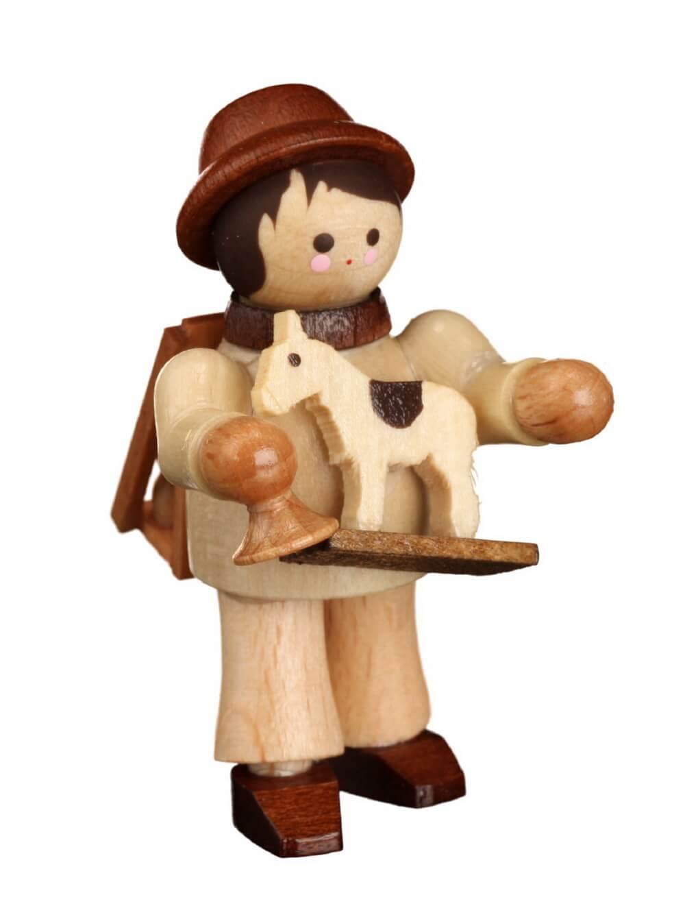 Unser Spielzeughändler, mini in natur von Romy Thiel Deutschneudorf/ Erzgebirge, hat alle Hände voll zu tun. Ja man könnte fast meinen, er macht dem …