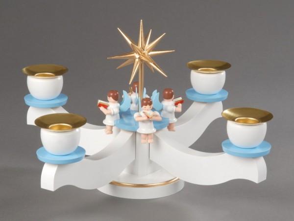 Adventsleuchter von Albin Preißler aus Seiffen/Erzgebirge, weiß/blau mit 4 sitzenden Engeln, aus massivem Buchenholz, Engel mit Gesangsbuch gedrechselt, in …