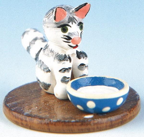 Katze mit Milchnapf aus Holz von Hubrig Volkskunst