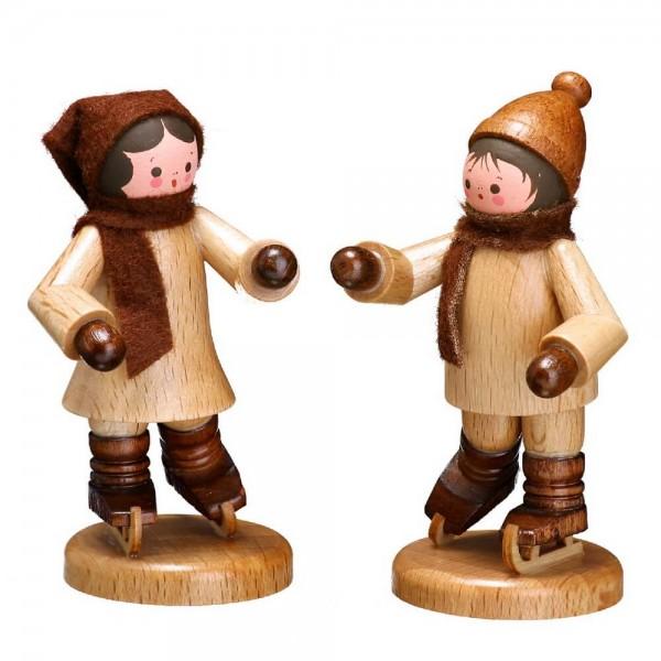 Die Schlittschuhkinder in natur von Romy Thiel Deutschneudorf/ Erzgebirge, sind ein bezauberndes Pärchen. Tolle Figuren bringen der Junge und das Mädchen …