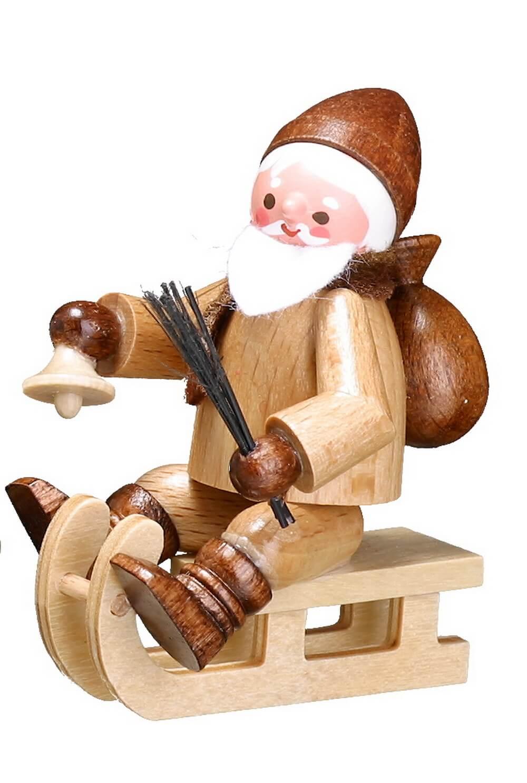 Der Rodelnde Nikolaus in natur von Romy Thiel Deutschneudorf/ Erzgebirge, ist ein lustiger Geselle. Wenn man im Schnee nicht schnell genug voran kommt, dann …