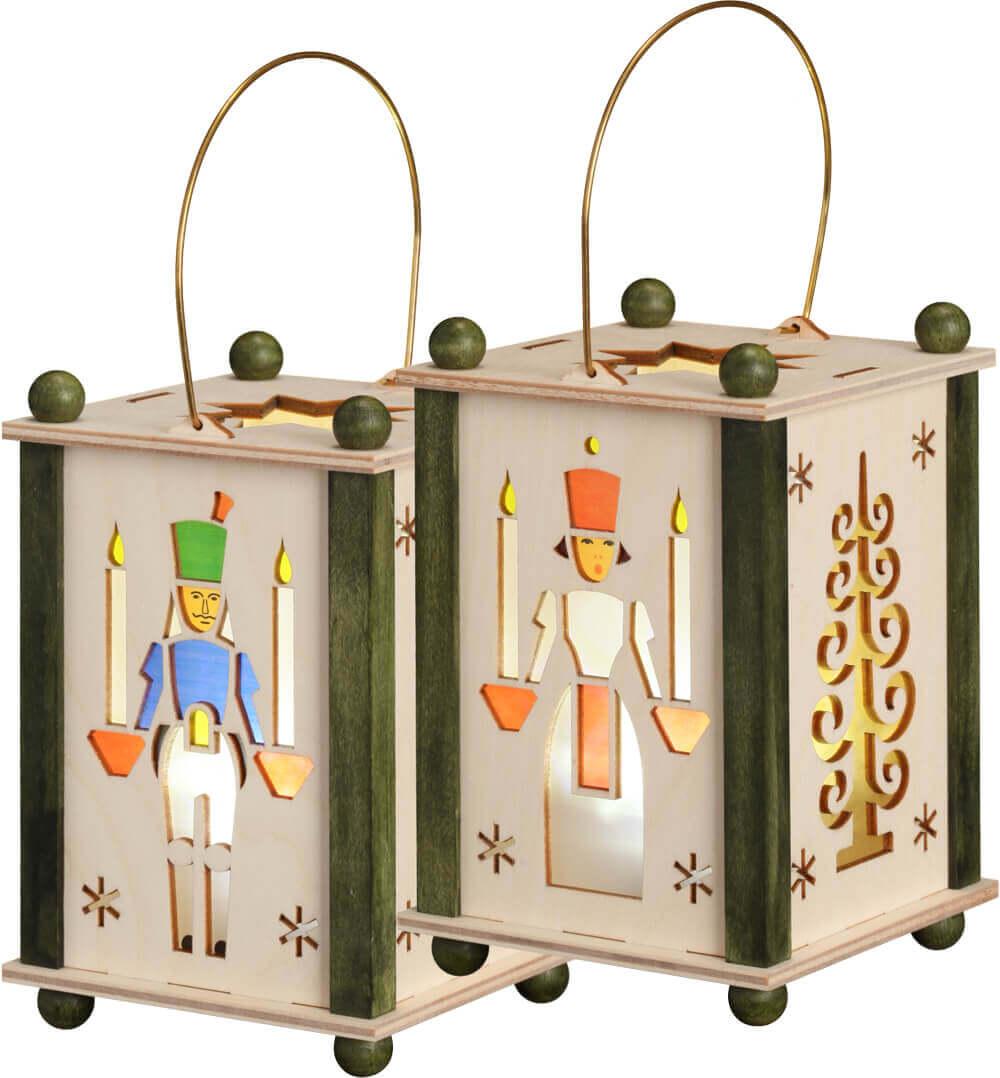Erzgebirgische Laterne mit dem Motiv Engel & Bergmann in natur und grün, inklusive LED - Lich mit Batterien von Seiffener Volkskunst eG Seiffen/ …