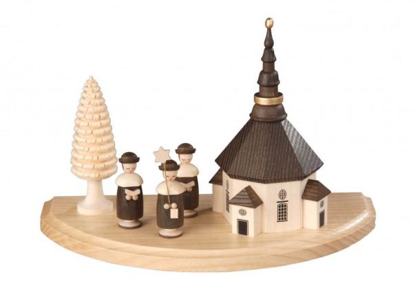 Albin Preißler Sockelbrett Seiffener Kirche mit Kurrende, natur, 20 cm