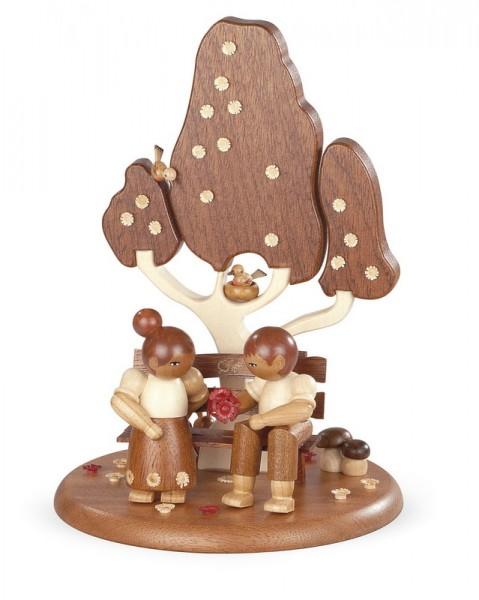Spieluhr Motivplattform für elektronische Spieldosen Liebespaar auf der Gartenbank, 25 cm, Durchmesser: 15 cm, Müller GmbH Kleinkunst aus dem Erzgebirge