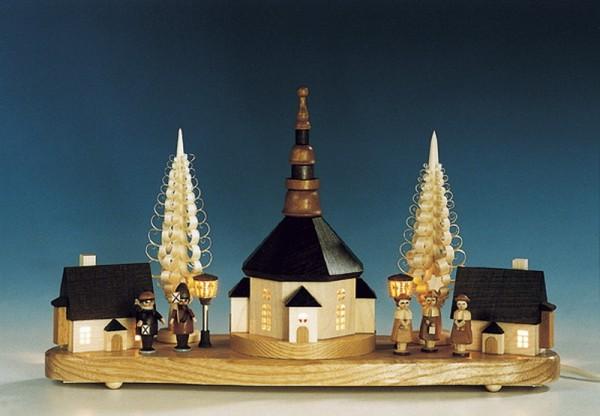 Sockelbrett Seiffener Kirche mit Laternenkindern und Kurrende, komplett elektrisch beleuchtet, 16 x 36 cm, Knuth Neuber Seiffen/ Erzgebirge