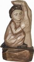 Vorschau: Relief Kind in Gottes Hand, gebeizt, geschnitzt, 20 cm