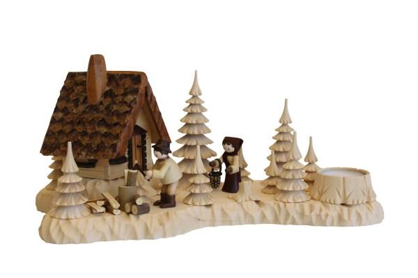Räucherhaus Wildhüterhütte mit Holzhacker und Frau, Romy Thiel Figuren von A. Lahl_Bild1