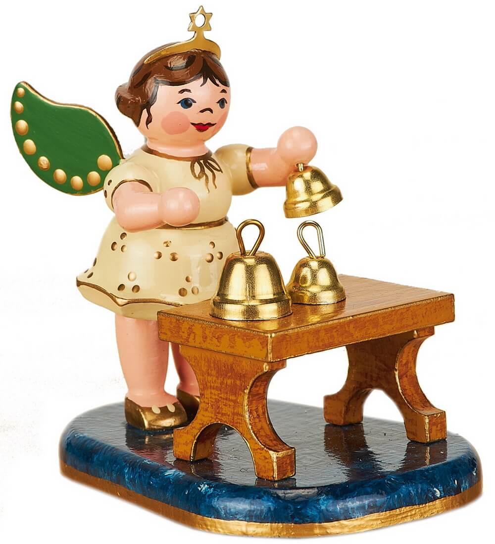 Weihnachtsengel mit Glockenspiel von Hubrig Volkskunst GmbH Zschorlau/ Erzgebirge ist 7 cm groß.