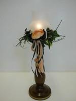 Vorschau: Der nostalgische Windlichtständer in nussbaum, 29 cm von Nestler-Seiffen.com OHG Seiffen/ Erzgebirge, bringt einen besonderen Vintage Flair in Ihr zu Hause. …