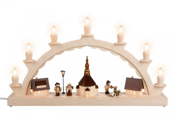 Schwibbogen Waldleutemit Romy Thiel Waldleuten und Straßenlaterne und beleuchteter Kirchturmuhr, komplett elektrisch beleuchtet, 50 x 32 cm, …