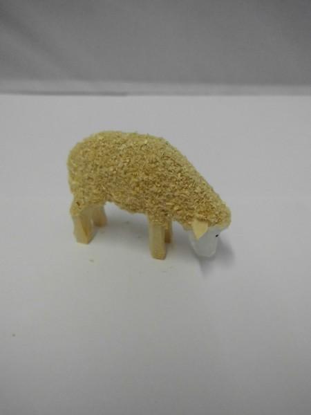 Schaf, fressend, 4,5 cm lang, 3,0 cm hoch, Nestler-Seiffen.com OHG Seiffen/ Erzgebirge