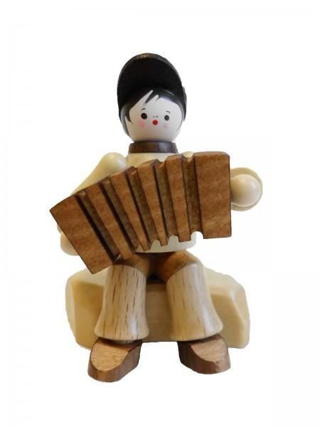 Der Akkordeonspieler in natur von Romy Thiel Deutschneudorf/ Erzgebirge, ist eine echte Seltenheit. Sehr wenige trauen sich dieses Instrument zu erlernen und …