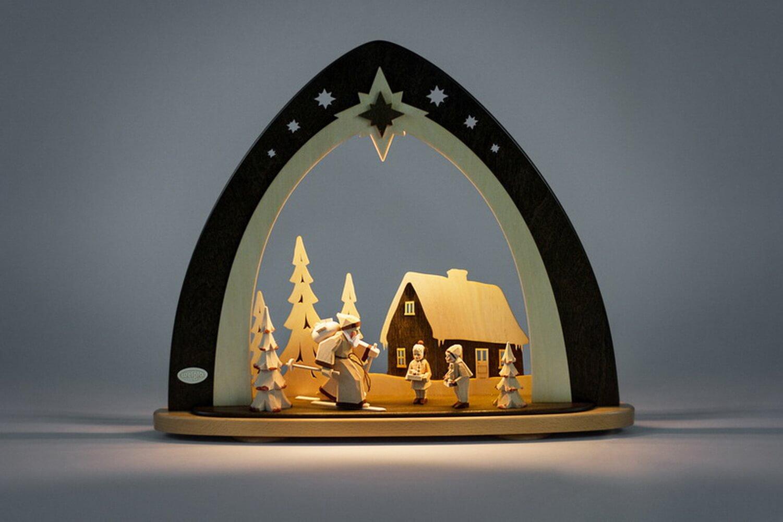 LED Lichterspitze Waldweihnacht mit geschnitzten Figuren von Weigla - Günter Gläser Deutschneudorf/ Erzgebirge Die moderne LED Lichterspitze …