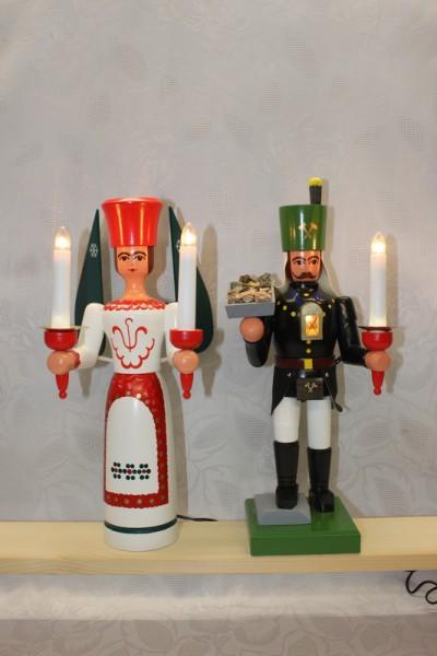 Engel und Bergmann mit Erzschale auf Stein und Brustlampe, bunt, elektrisch beleuchtet, jede Figur hat einen eigenen Trafo, 34 cm von Nestler-Seiffen.com OHG …