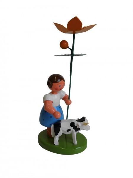 Blumenkinder - Blumenkind Mädchen mit Reifentier (Kälbchen) und Sumpfdotterblume, 10 cm von WEHA-Kunst Dippoldiswalde/ Erzgebirge