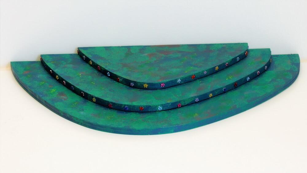 Nestler-Seiffen, Wiese, Unikat, farbig, 3stöckig mit Strassblumen_Bild1
