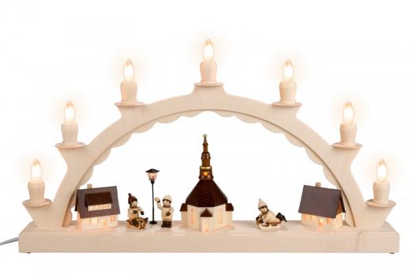Schwibbogen Seiffener Dorf mit Romy Thiel Winterkindern/ Rodler, beleuchteter Straßenlaterne und Kirchturmbeleuchtung, komplett elektrisch beleuchtet, 50 x 28 …