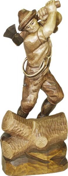Holzer, gebeizt, geschnitzt, in verschiedenen Größen