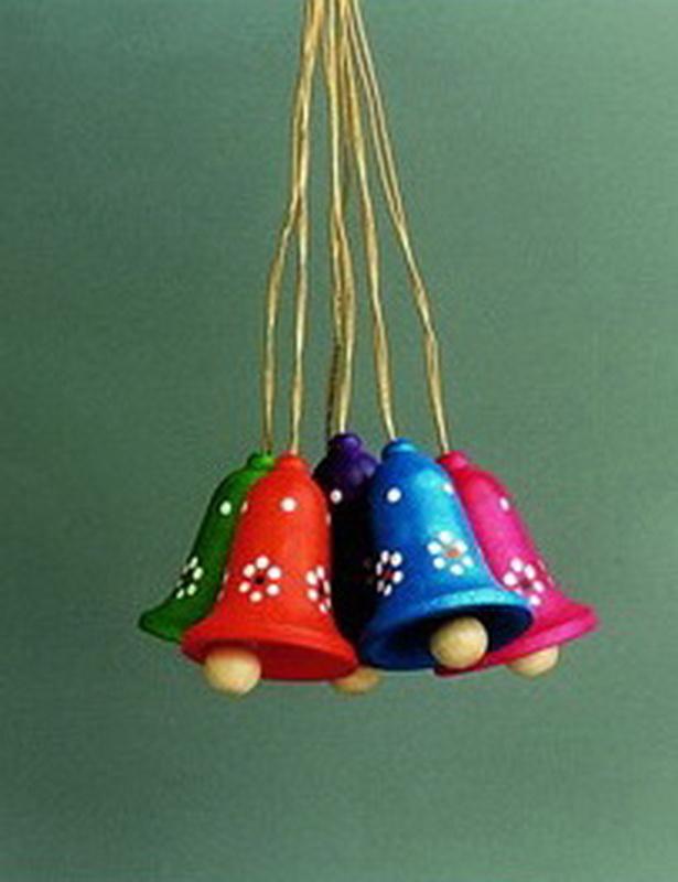 6 Glocken handbemalt zum hängen von Gunter Flath aus Seiffen / Erzgebirge Sechs wunderschöne mehrfarbige Glocken zum Aufhängen. So wird jeder Osterstrauch ein …