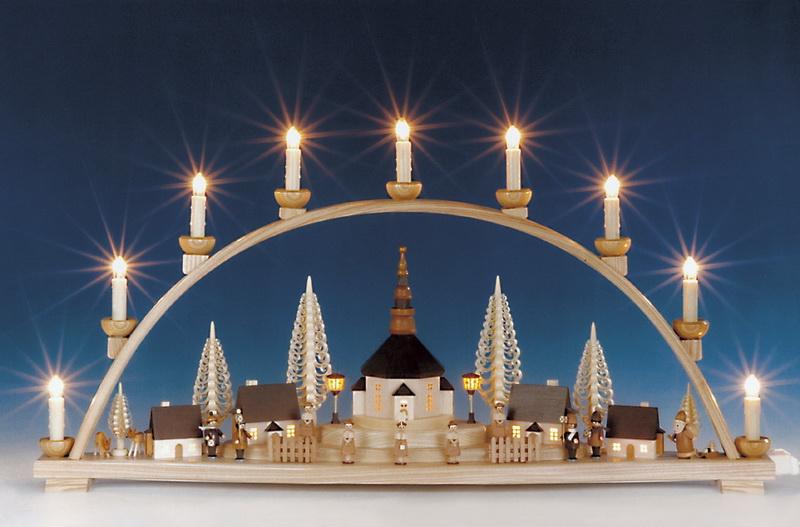 Schwibbogen Seiffener Kirche mit beleuchteten Häusern und Laterne, komplett elektrisch beleuchtet, 78 cm, Knuth Neuber Seiffen/ Erzgebirge