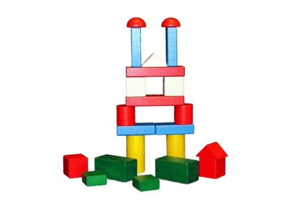 Mit diesem 22 tollen farbigen Bausteinen können Kinder schnell und unkompliziert ihre kleinen und großen Bauideen verwirklichen. Ob Burgen, Häuser, Tunnel, …
