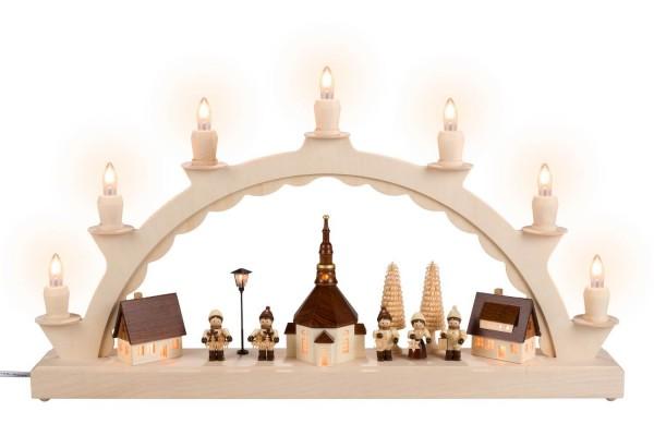 Schwibbogen von Nestler-Seiffen mit Seiffener Dorf und Romy Thiel Kinder mit beleuchteter Straßenlaterne und Kirchturmuhr_Bild1