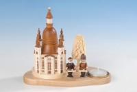 Vorschau: Knuth Neuber, Weihnachtskerzenhalter Frauenkirche mit Striezelkindern_Bild2