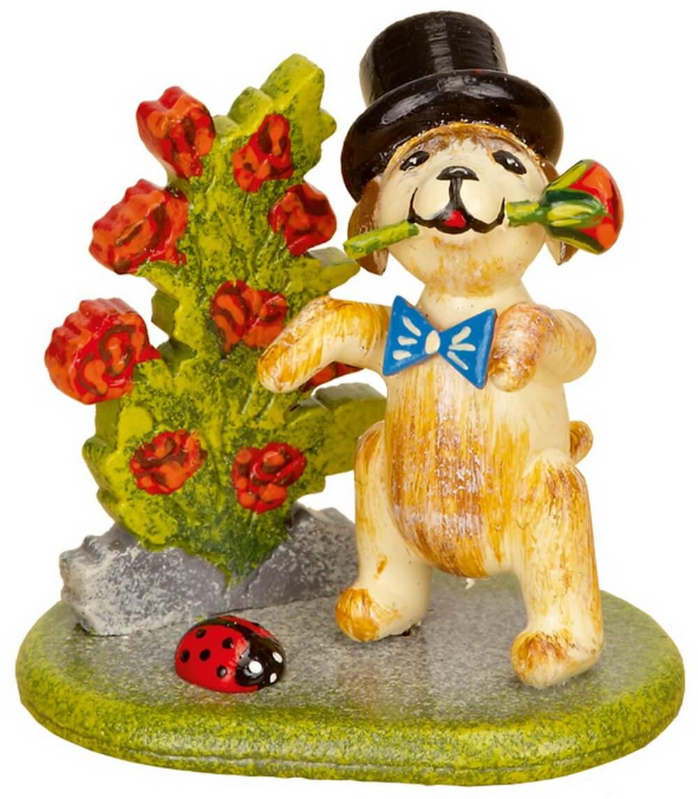Hund mit Rosen aus Holz von Hubrig Volkskunst