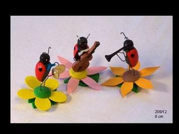 Frühlingskapelle mit 3 Käfermusikanten von Volker Zenker aus Seiffen