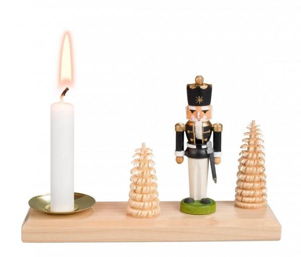 Weihnachtskerzenhalter von Nestler-Seiffen Nussknacker König für Wachskerzen_Bild1
