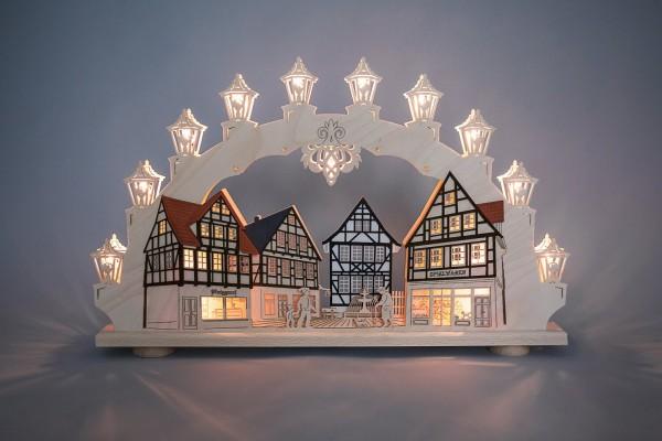 """Schwibbogen Altstadt, 66 x 41 x6 cm von Weigla - Günter Gläser Deutschneudorf/ Erzgebirge Der traditionelle Schwibbogen """"Altstadt"""" ist ein sehr …"""