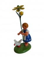 Vorschau: Blumenmädchen mit Reifentier (Gans) und Butterblume, 10 cm, WEHA-Kunst Dippoldiswalde/ Erzgebirge