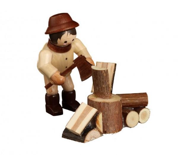 Der fleißige Holzhacker, mini in natur, von Romy Thiel Deutschneudorf/ Erzgebirge, sorgt schon mal vor, für kalte Wintertage. Damit man einen kuscheligen, …