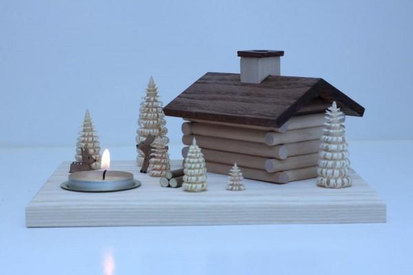 schlichtes, liebevoll gearbeitetes Räucherhaus mit Teelicht