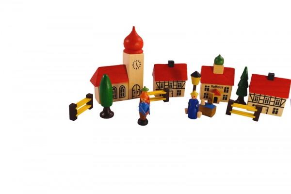 Ganz idyllisch, im Land der Kreavität und Phantasie, liegt dieses kleine Dorf. Kennzeichnend sind die typischen roten Dächer und der klassische Kirchturm, …