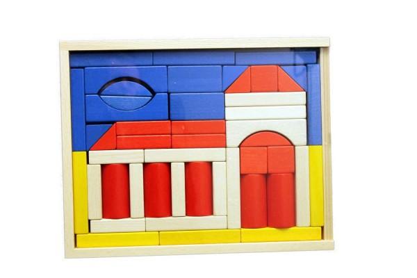 """Mit dem Baukasten """"Kirche"""" können auch schon die Kleinsten ein variantenreiches Bauen erleben. Die 48 Bausteine teils farbig, teils farblos lackiert …"""