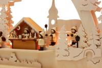 Vorschau: Schwibbogen von Romy Thiel mit dem Motiv Burgweihnacht, 63 cm _Bild3