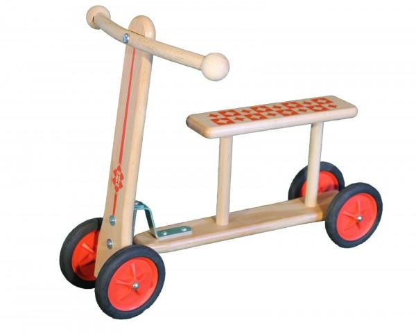"""Der Lauflernroller """"Easy Rider"""" hat eine Sitzhöhe von 22 cm und ist das ideale Einsteigergerät für Kinder im Lauflernalter. Die einfache Handhabung eröffnet …"""