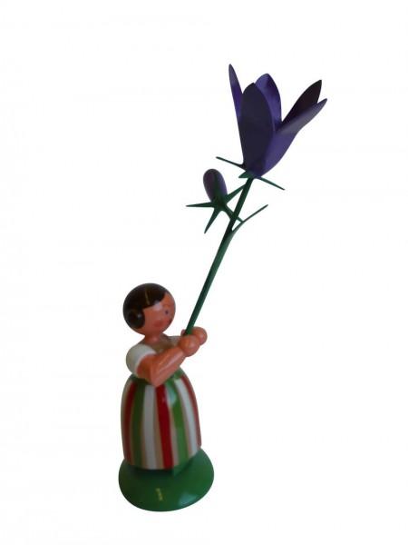 Blumenkinder - Wiesenblumenkind Mädchen mit Wiesenglockenblume, 11 cm von WEHA-Kunst Dippoldiswalde/ Erzgebirge