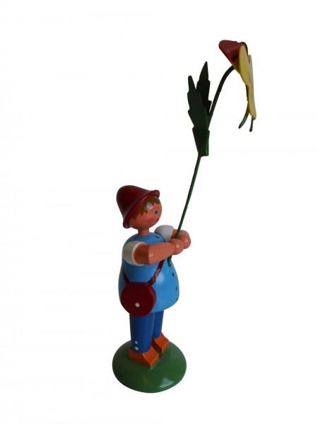 Blumenkinder - Wiesenblumenjunge mit Stiefmütterchen, 12 cm von WEHA-Kunst Dippoldiswalde/ Erzgebirge