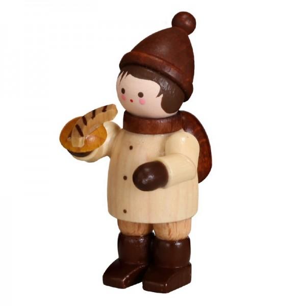 Großen Hunger hat dieser Junge mit Bratwurst, mini in natur von Romy Thiel Deutschneudorf/ Erzgebirge. Bei diesem kalten Winterwetter schmeckt so eine frisch …