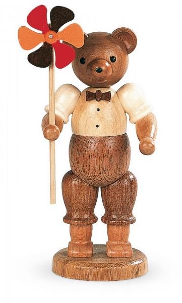 Dekofigur Bär mit Windrad aus Holz, naturfarben von Müller Kleinkunst aus Seiffen