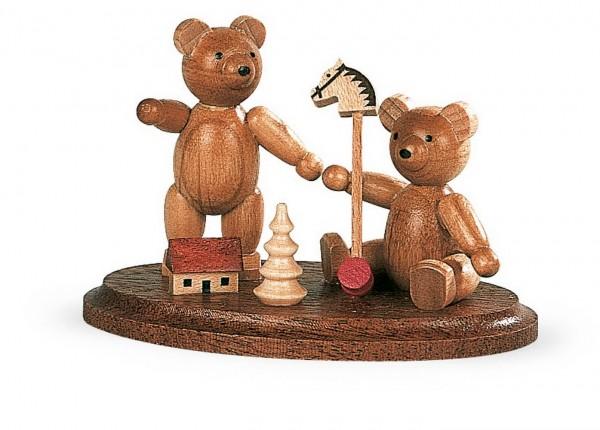 Dekofigur spielende Bärenkinder aus Holz, naturfarben von Müller Kleinkunst aus Seiffen
