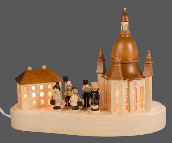 Sockelbrett Dresdner Frauenkirche mit Laternenkindern und Straßenlaterne, komplett elektrisch beleuchtet, 20 x 8 cm, Nestler-Seiffen.com OHG Seiffen/ Erzgebirge