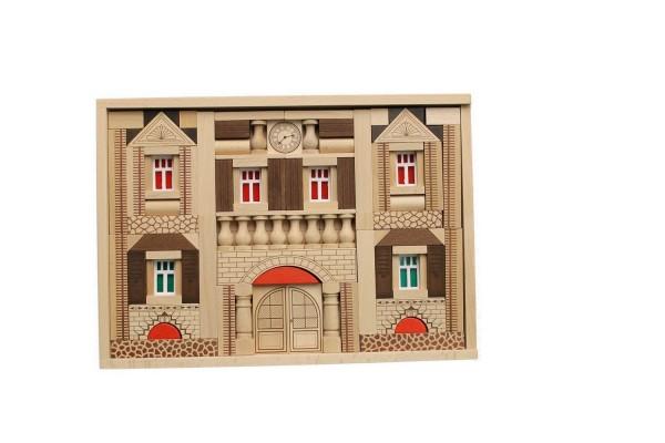 Der Baukasten Residenz besteht aus 141 Holzbausteinen undund basiertauf demtraditionellen Blumenauer Holzbaukastensystem. …