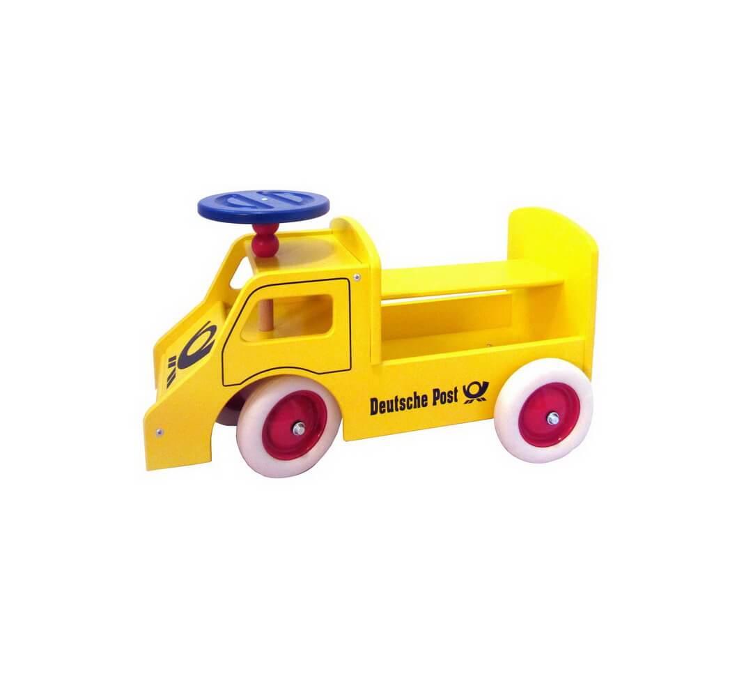 Der Rutscher Postauto ist in einem leuchtendem Gelb lackiert. Hurra, Hurra die Post ist da. Dieses tolle Postauto als Rutscher bringt viel Vergnügen für die …