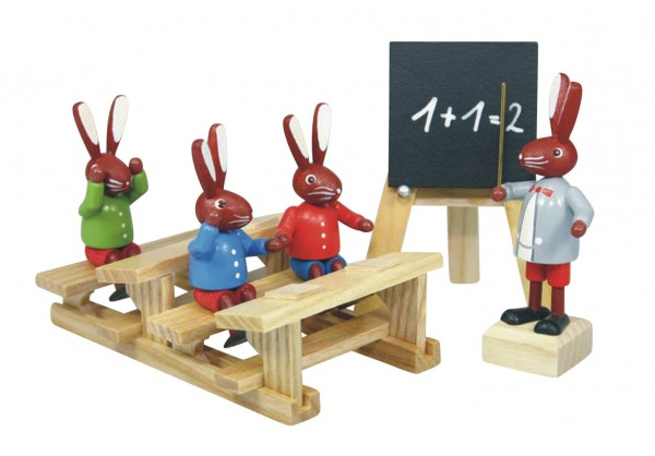 Osterhasenschule (3 Hasenschüler, 1 Lehrer, 1 Bank (lang), 1 Tafel), bunt, 6 cm von Stephan Kaden holz.kunst Seiffen/Erzgebirge