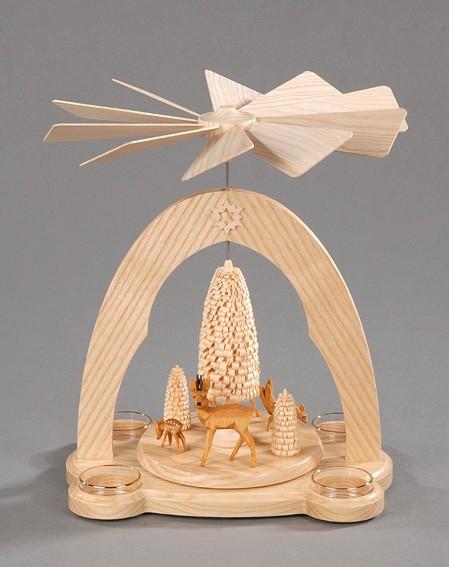 Weihnachtspyramide natur - geschnitzte Rehgruppe mit Bäumen aus massivem ausgewählten Eschenholz, naturbelassen, Rehgruppe und Bäume geschnitzt, Bestückung: …